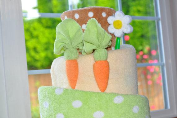 Washcloth-carrot-for-carrot-cake-instructional-video