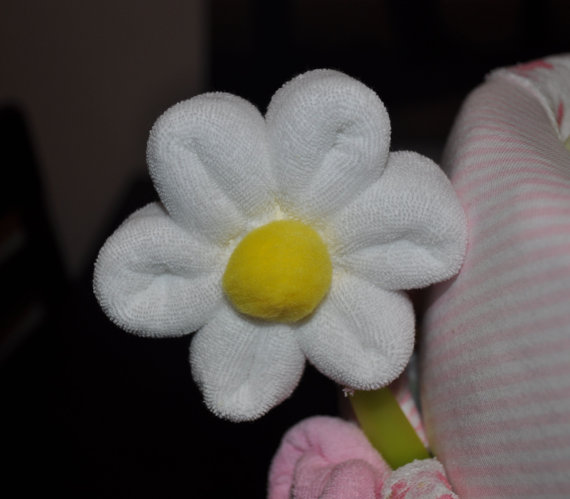 how-to-make-a-washcloth-daisy-video-instructions